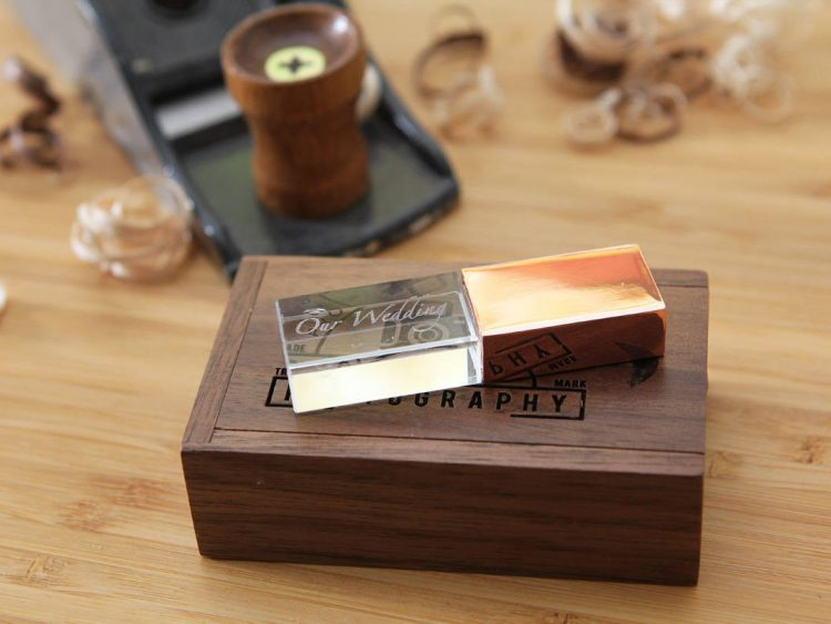Metal Crystal USB Flash Drive & Personalized USB Wood Box Set